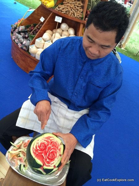 Fruit carving at the Thai stand