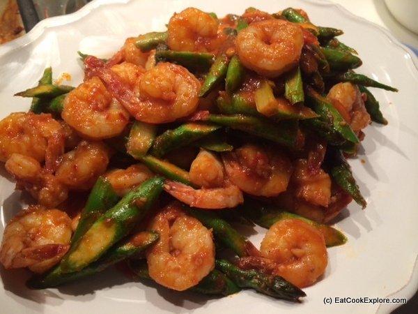Malaysian Sambal with prawns and British asparagus