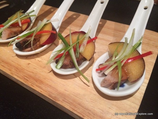 Tea smoked duck with a spiced plum sauce eat cook explore for Smoked oyster canape
