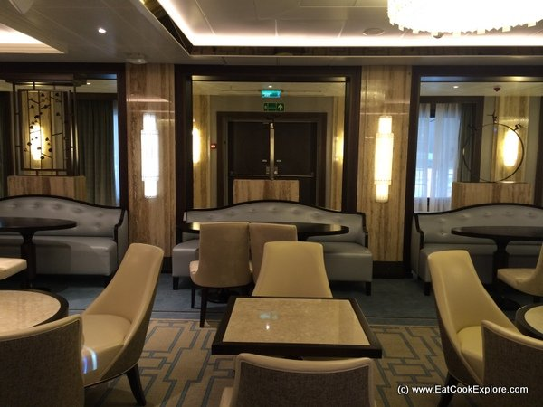 The queens names britannia cruise ship and a first look inside for P o britannia dining rooms