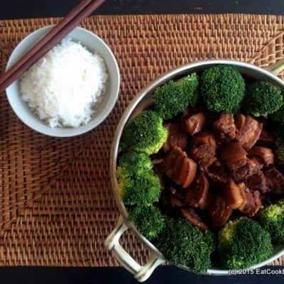 slow cooker braised pork belly with white rice