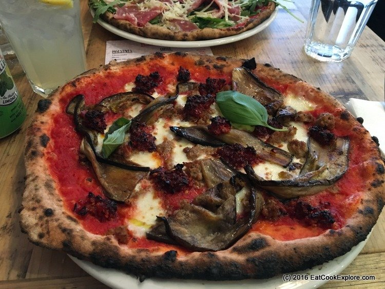 zia-lucia pink pizza
