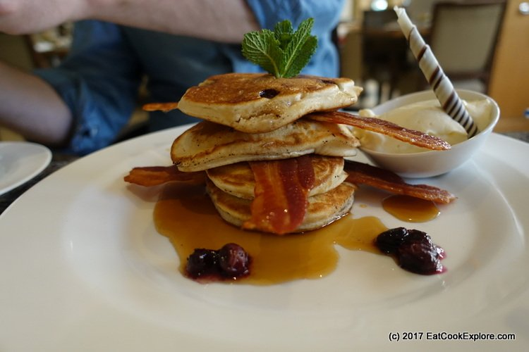 Book and Brunch Sundays at Lowndes Bar and Kitchen