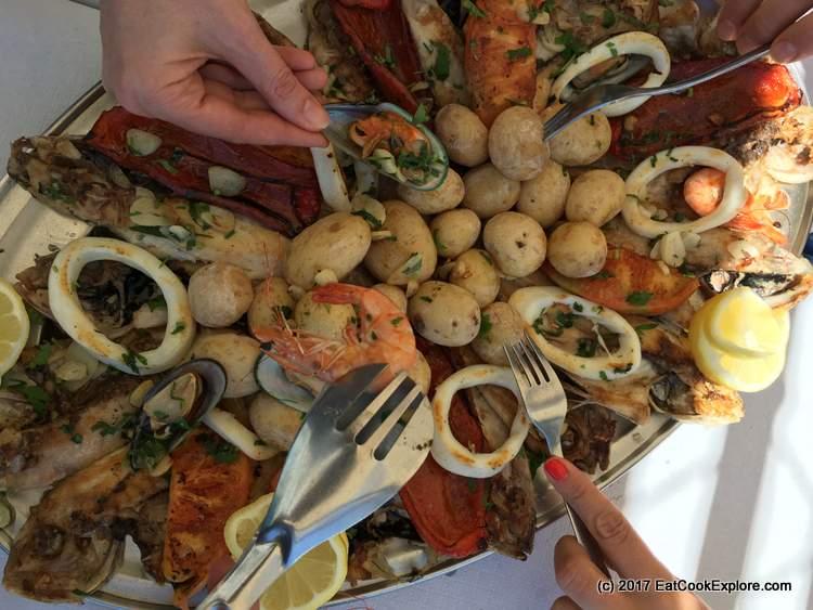 Seafood lunch at Puerto De Las Nieves