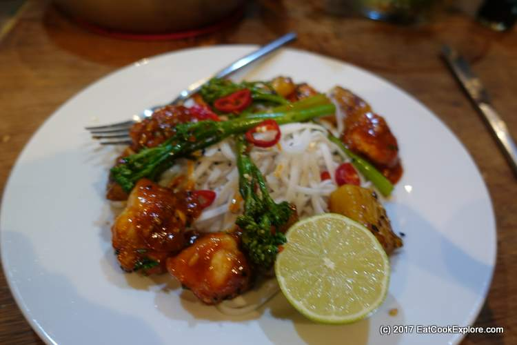Honey & Sriracha Chicken with grilled pineapples and sesame broccolli