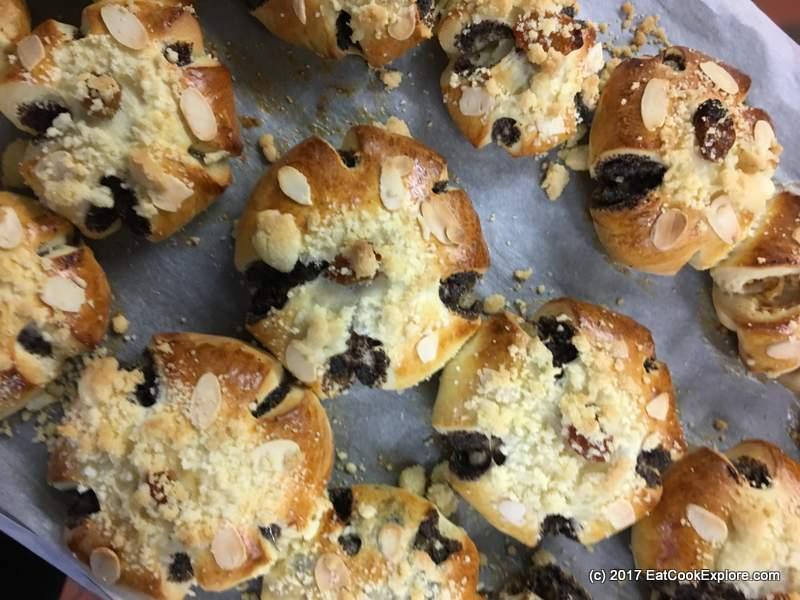 How to make Traditional Czech Bohemian Koláče Pastries
