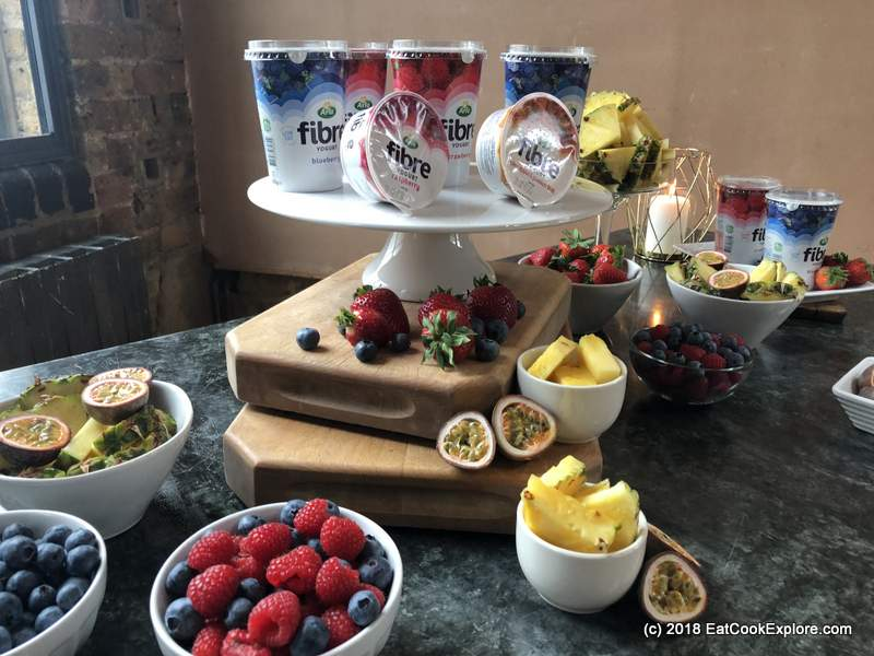 High fibre fruits with Arla Fibre