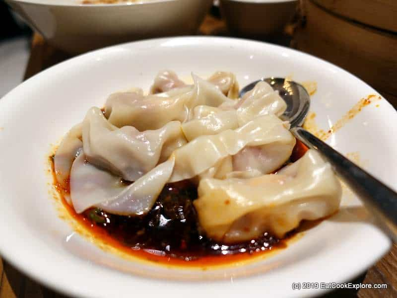 Din Tai Fung London Prawn and Pork wontons in spicy sauce